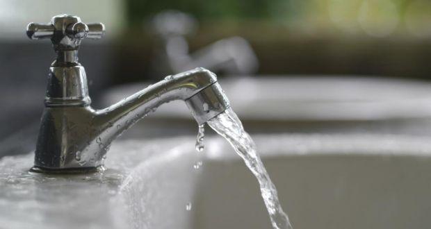 تسرب المياه داخل الجدار